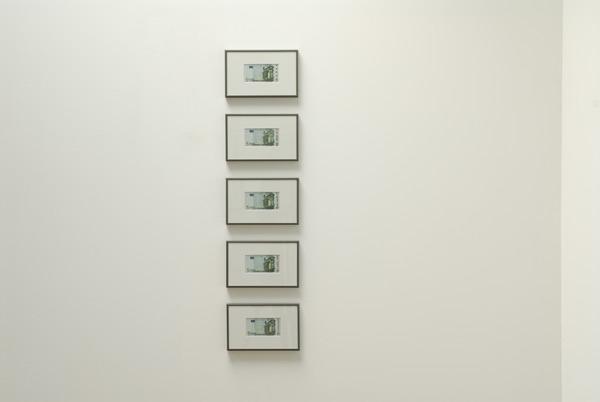 Monsieur Moo & Louise Drubigny,  2011, Sérigraphie sur billets de banque, 5 x 10 cm
