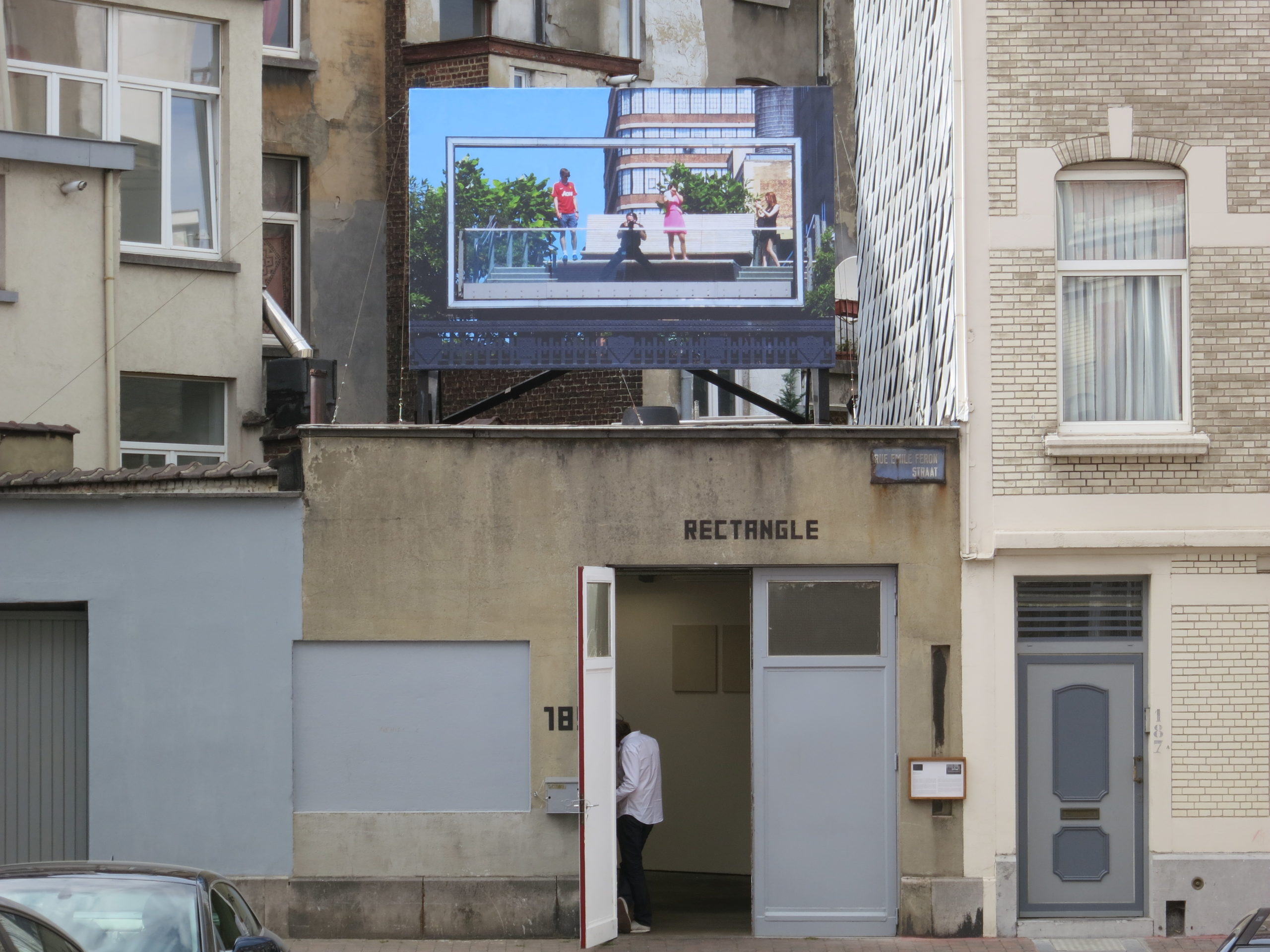 Peter Scott, Exhibition view Here Comes Your Neighborhood, Rectangle, Brussels